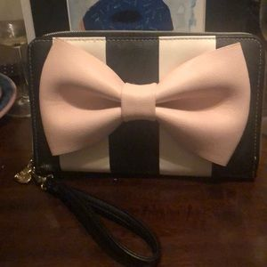 Betsey Johnson bow wallet